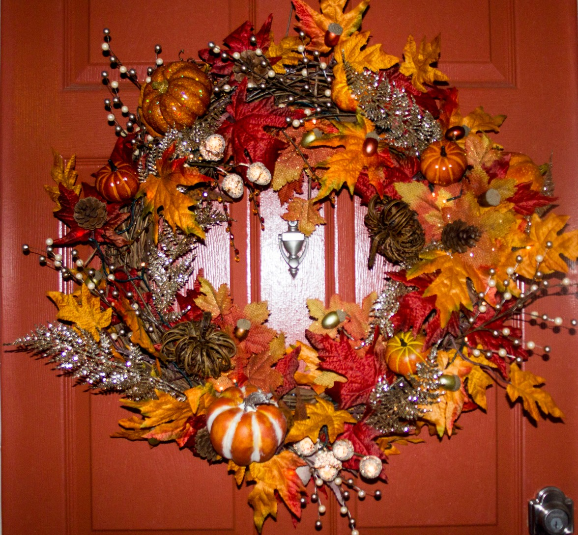 fall-wreath-close-up-front